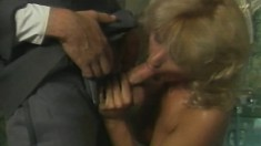 Ripped young fucker enjoys thrusting it up this blonde's firm ass