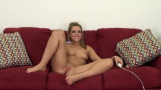 Zoey puts on a sexy show for a live cam feed rubbing on her clit