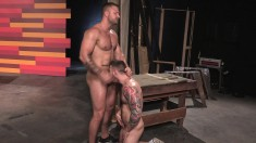Tattooed stud gets all horny and tries some good ass fucking