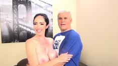 Voluptuous brunette Bella Maree surrenders her peach to a hard prick