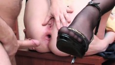 Anal Gaping Amateur Stretches Her Ass While Getting Pounded