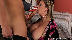 Sara Jay gets her pussy eaten by the pool boy and sucks his cock