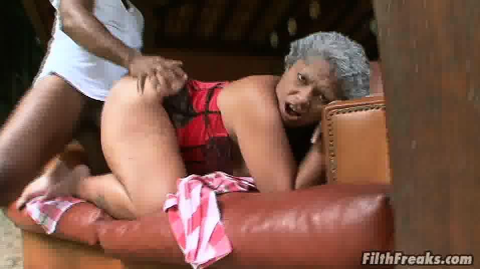 Www black granny sex com