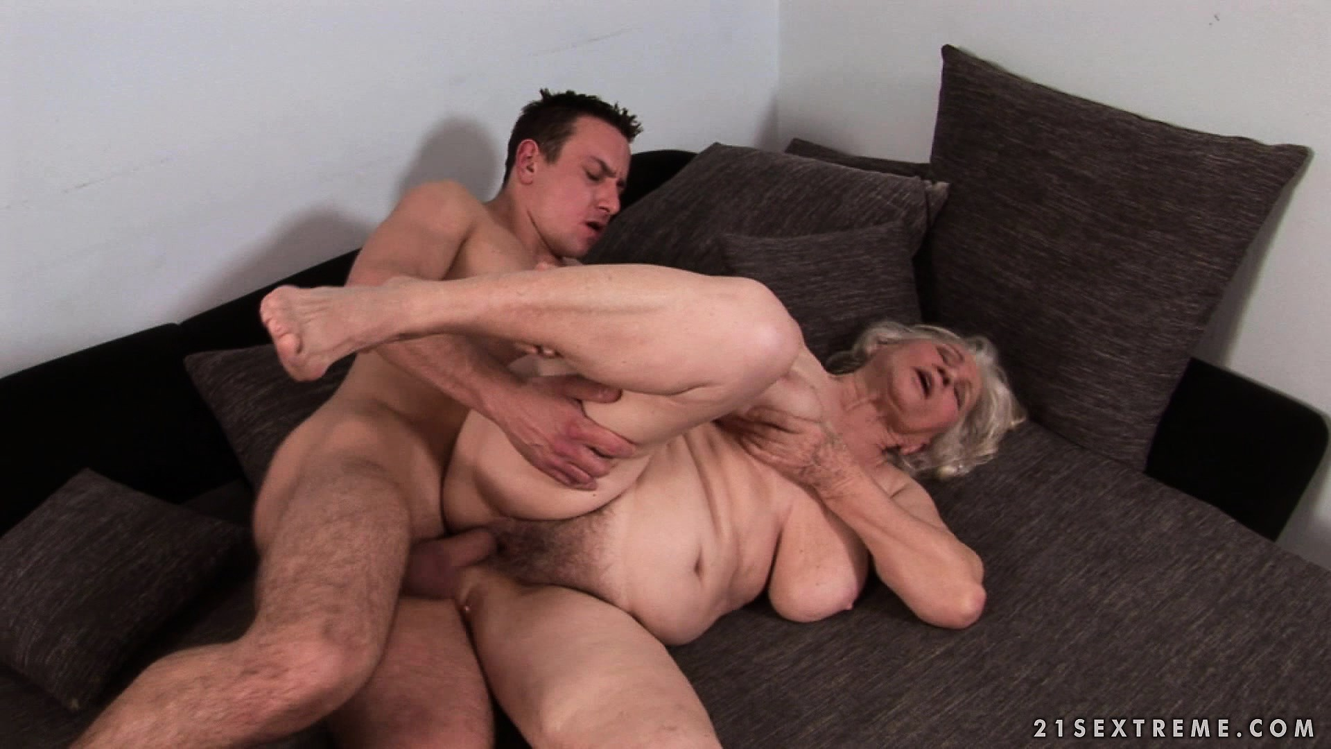 Sexy Cougar Getting Butt Fucked