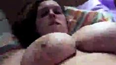 Chubby girls buzzes her pussy