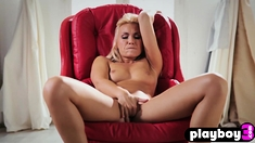 Horny blonde MILF fingering herself in a solo action
